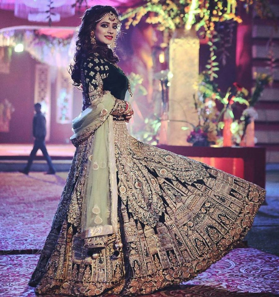 Brides who split up with the traditional Red Lehenga